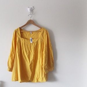 NWT Old Navy Yellow Peasant Top / Blouse